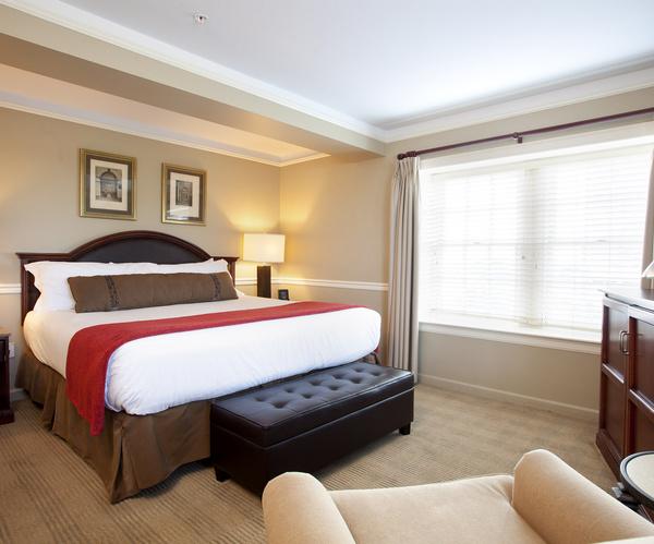 AMBASSADOR TULSA Suite Bed 2